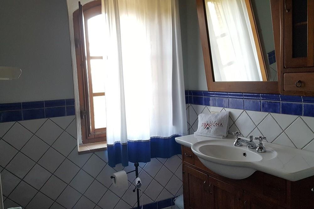 Bagno con doccia-Appartamento Leonardo-La Dragona