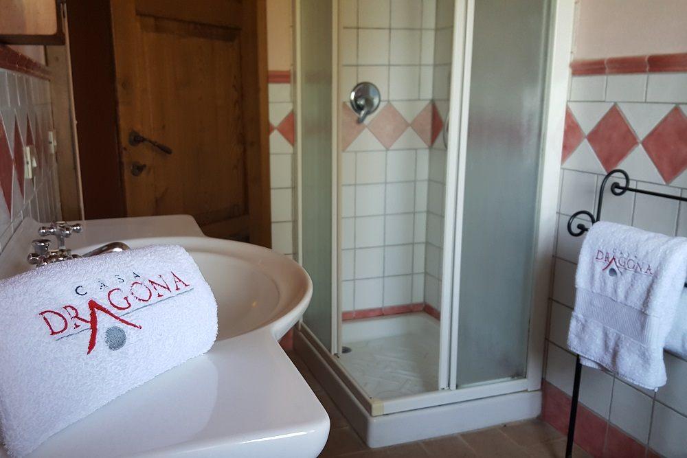 Bagno con doccia-Appartamento Michelangelo-La Dragona