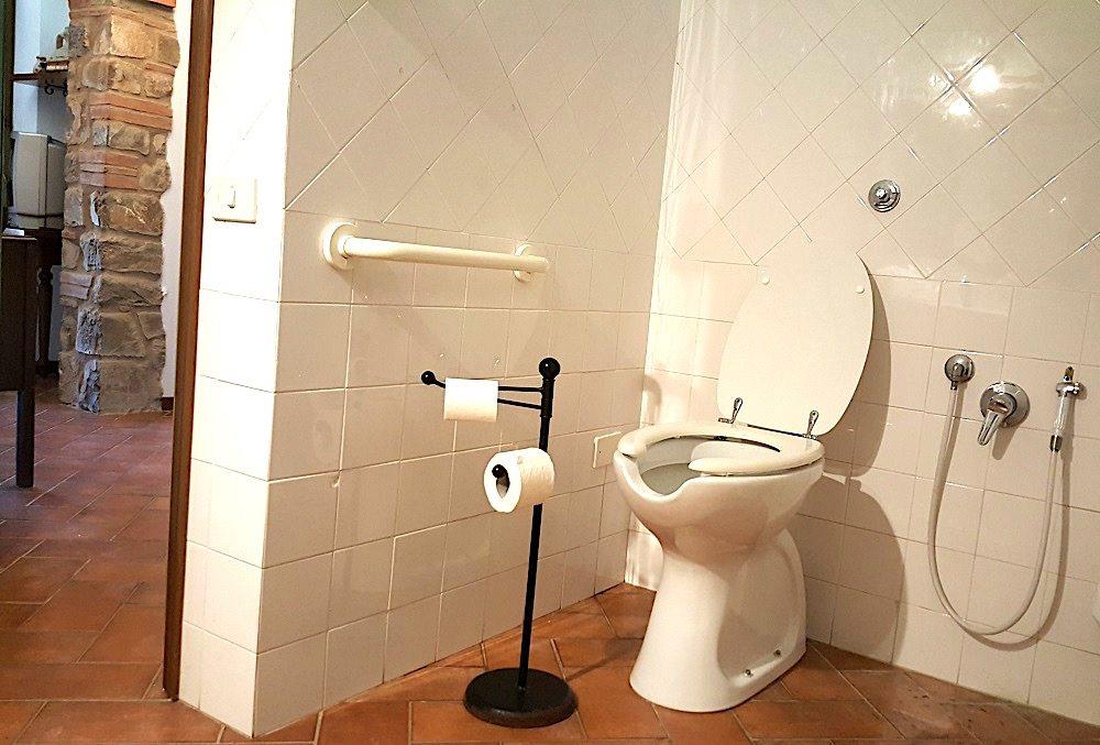 bagno-3-Appartamento Raffaello - La Dragona